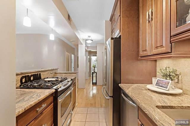 518-536 Gregory Avenue B306, Weehawken, NJ 07086 (MLS #20018507) :: William Raveis Baer & McIntosh