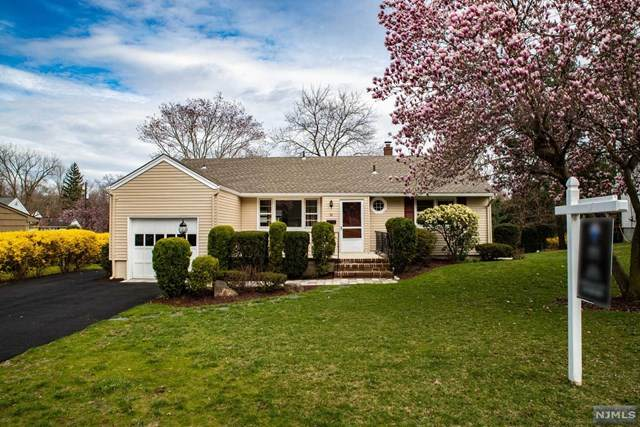 32 Deacon Place, Cresskill, NJ 07626 (MLS #20019185) :: William Raveis Baer & McIntosh