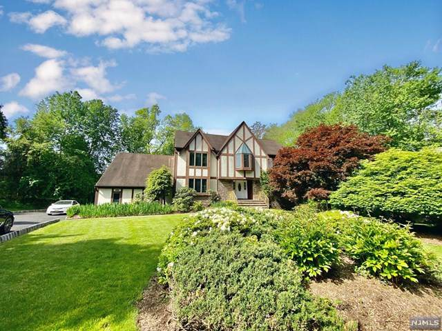 58 Greenwoods Road, Old Tappan, NJ 07675 (MLS #20019569) :: William Raveis Baer & McIntosh