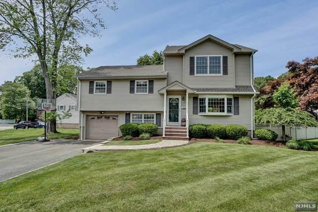 4 Oakview Drive, Waldwick, NJ 07463 (MLS #20020282) :: The Dekanski Home Selling Team
