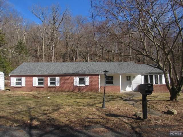 15 Shenandoah Crescent, Jefferson Township, NJ 07885 (MLS #20021734) :: The Lane Team