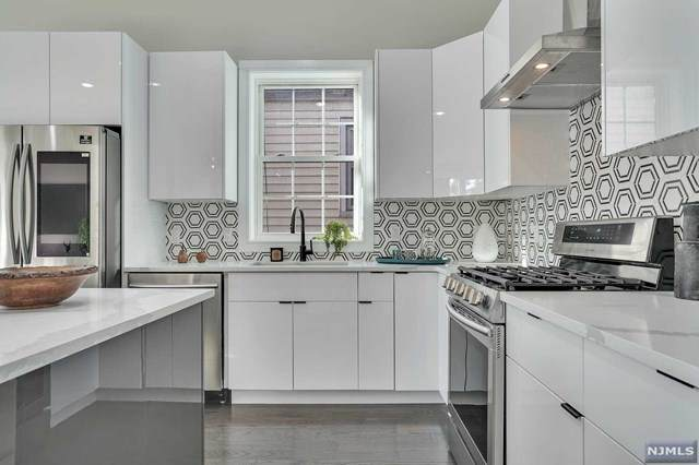 118 Charles Street #1, Jersey City, NJ 07307 (MLS #20025003) :: Team Francesco/Christie's International Real Estate