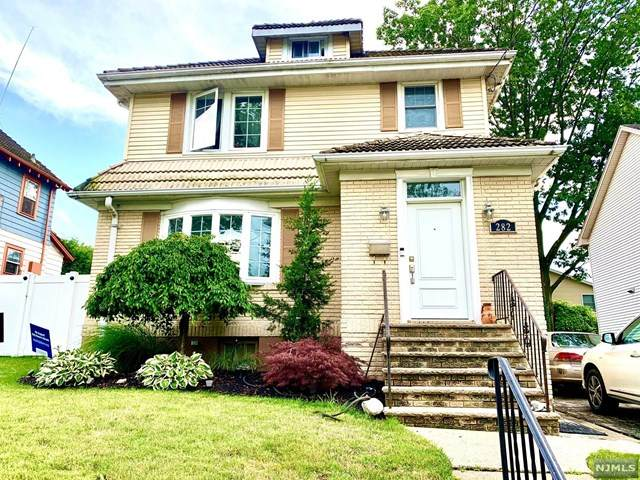 282 Schley Place, Teaneck, NJ 07666 (MLS #20025566) :: The Lane Team