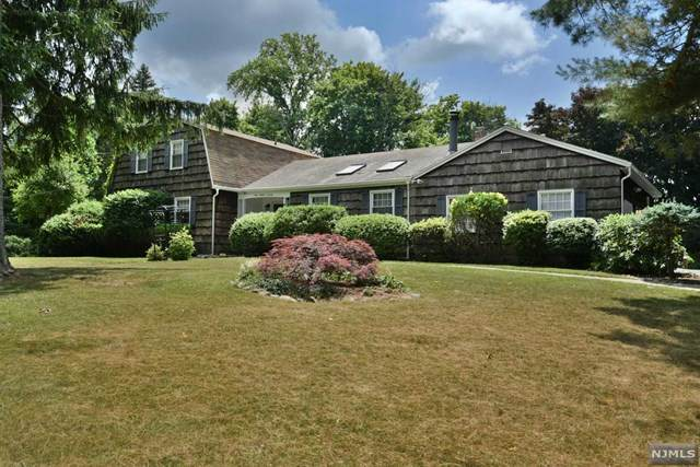 370 W Grand Avenue, Montvale, NJ 07645 (#20025782) :: Bergen County Properties