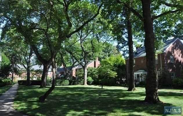 151 E Palisade Avenue B11, Englewood, NJ 07631 (#20026150) :: Bergen County Properties