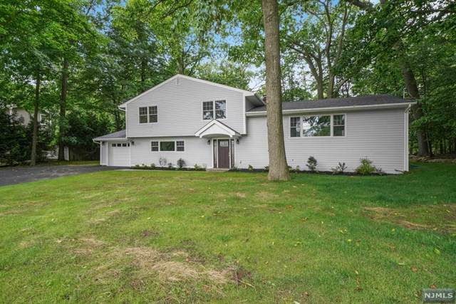 10 Chicasaw Drive, Oakland, NJ 07436 (MLS #20026251) :: The Sikora Group