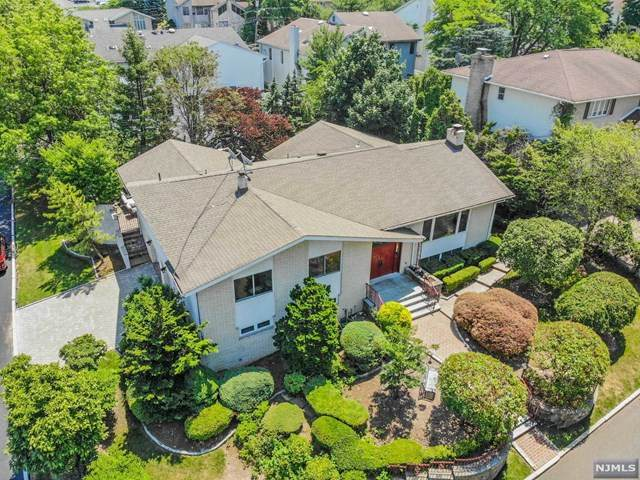 69 Ash Street, Englewood Cliffs, NJ 07632 (MLS #20026291) :: Team Francesco/Christie's International Real Estate