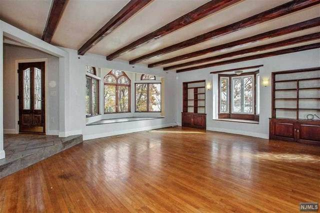 8 Old Wood Road, Edgewater, NJ 07020 (#20026853) :: Bergen County Properties