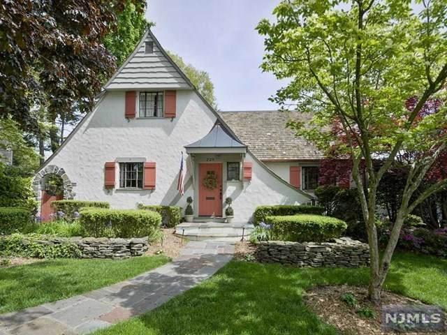 229 Blauvelt Avenue, Ho-Ho-Kus, NJ 07423 (#20027228) :: Bergen County Properties