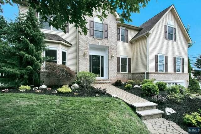 2 Frederick Court, Park Ridge, NJ 07656 (MLS #20028138) :: The Lane Team