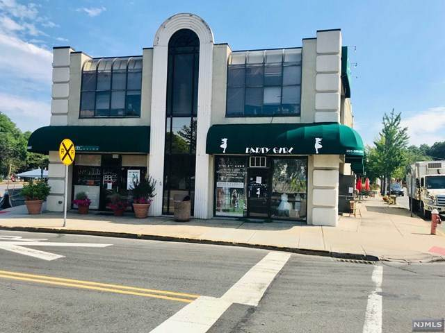 1 Highwood Avenue - Photo 1