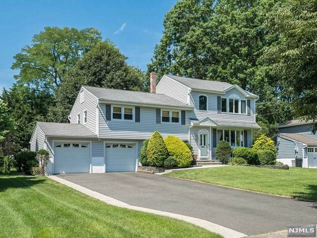 17 De Young Road, Glen Rock, NJ 07452 (MLS #20029097) :: The Lane Team