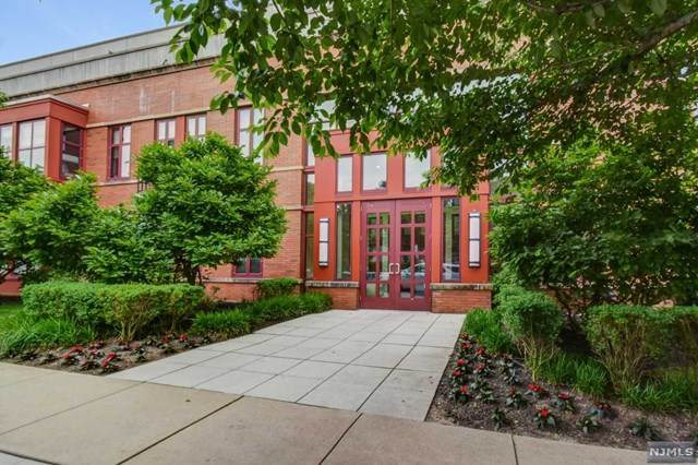 85 Park Avenue #101, Glen Ridge, NJ 07028 (MLS #20030141) :: The Lane Team