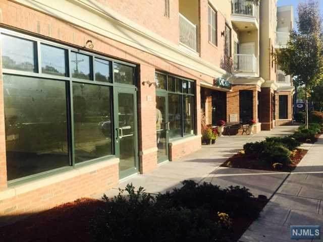 55 Emerson Plaza - Photo 1