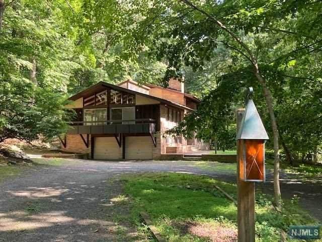6 Charney Drive, Alpine, NJ 07620 (MLS #20030618) :: William Raveis Baer & McIntosh