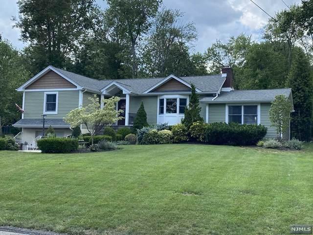 11 Longwood Court, Wayne, NJ 07470 (MLS #20030674) :: The Dekanski Home Selling Team