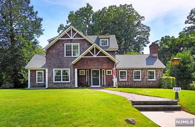 929 Amaryllis Avenue, Oradell, NJ 07649 (MLS #20031566) :: The Lane Team