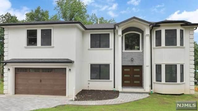 337 Maplewood Drive, Paramus, NJ 07652 (#20031808) :: NJJoe Group at Keller Williams Park Views Realty