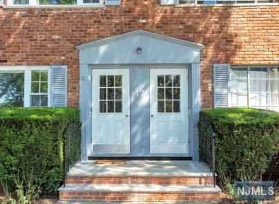17 Wedgewood Drive #83, Verona, NJ 07044 (MLS #20031895) :: The Lane Team