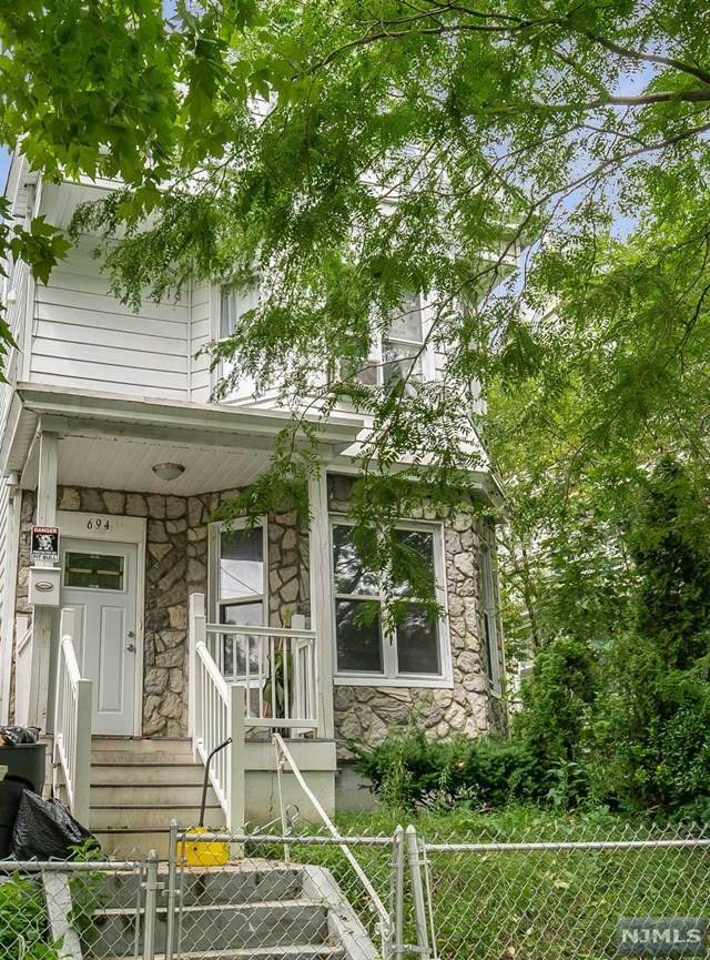 694 E 28th Street, Paterson, NJ 07504 (MLS #20032032) :: The Lane Team