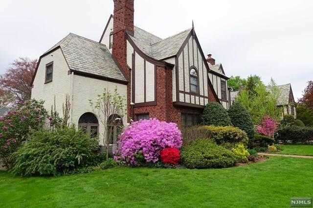 752 Carroll Place, Teaneck, NJ 07666 (#20032135) :: NJJoe Group at Keller Williams Park Views Realty