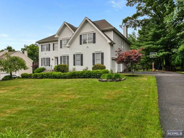 161 Stephens Lane, Mahwah, NJ 07430 (MLS #20032386) :: William Raveis Baer & McIntosh