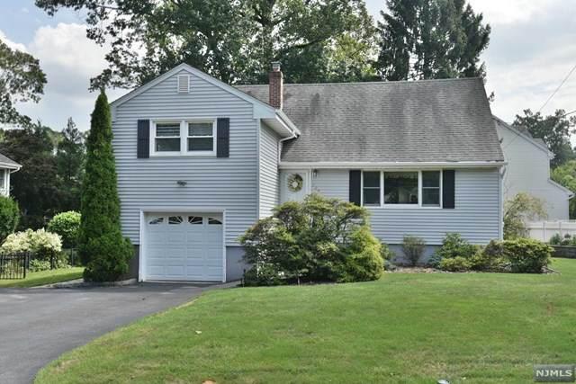 209 Lincoln Avenue, Hillsdale, NJ 07642 (MLS #20033265) :: The Dekanski Home Selling Team