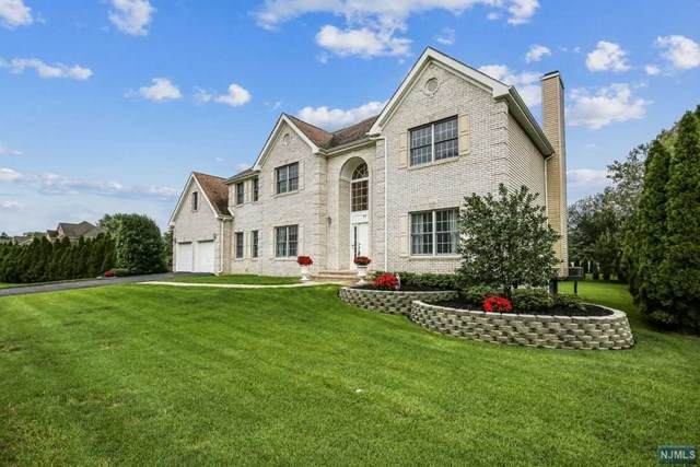 11 Ramkay Drive, Fairfield, NJ 07004 (MLS #20035914) :: Team Francesco/Christie's International Real Estate