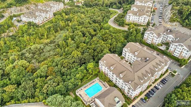 1301 Wharton Court, Riverdale Borough, NJ 07457 (#20036138) :: NJJoe Group at Keller Williams Park Views Realty