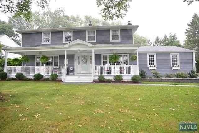 25 Lincoln Terrace, Harrington Park, NJ 07640 (MLS #20036976) :: William Raveis Baer & McIntosh