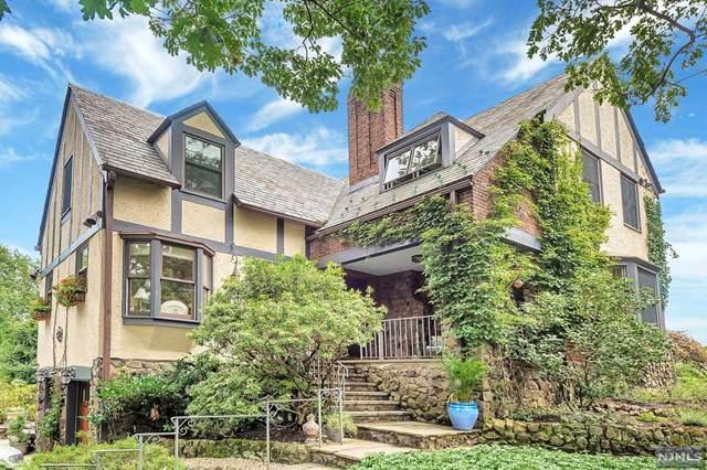 11 Bradford Way, Cedar Grove, NJ 07009 (MLS #20037930) :: Team Francesco/Christie's International Real Estate