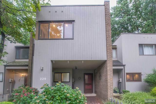 229 Pond Terrace, Twp Of Washington, NJ 07676 (MLS #20038261) :: Team Francesco/Christie's International Real Estate