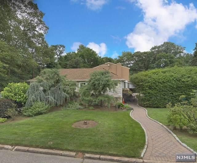 9 Hollywood Avenue, Emerson, NJ 07630 (MLS #20038633) :: Team Francesco/Christie's International Real Estate