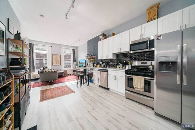 332 Communipaw Avenue, Jersey City, NJ 07304 (MLS #20039041) :: Team Francesco/Christie's International Real Estate