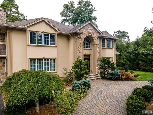 143 Dogwood Drive, Oakland, NJ 07436 (MLS #20039279) :: Team Braconi | Christie's International Real Estate | Northern New Jersey