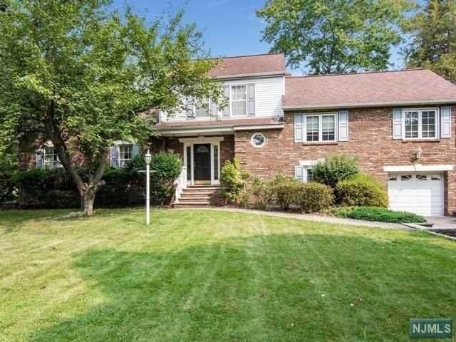 244 Hillside Avenue, Allendale, NJ 07401 (MLS #20039338) :: Team Braconi | Christie's International Real Estate | Northern New Jersey