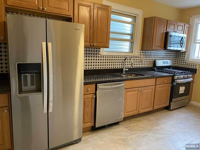 621 Bramhall Avenue, Jersey City, NJ 07304 (MLS #20039600) :: Team Francesco/Christie's International Real Estate