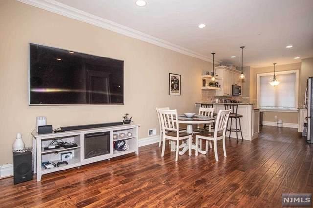 1 Glen Rock Square D3, Glen Rock, NJ 07452 (MLS #20039878) :: Team Francesco/Christie's International Real Estate