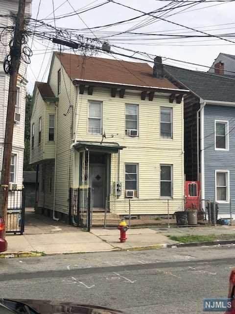 783 E 19th Street, Paterson, NJ 07501 (MLS #20039993) :: Team Francesco/Christie's International Real Estate