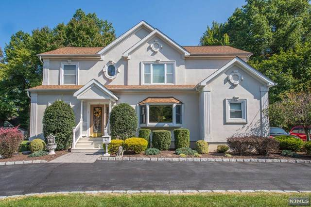 7 Orlando Drive, Fairfield, NJ 07004 (MLS #20040137) :: Team Francesco/Christie's International Real Estate