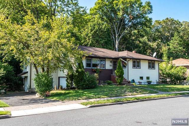 46 Longview Drive, Emerson, NJ 07630 (MLS #20040220) :: The Sikora Group