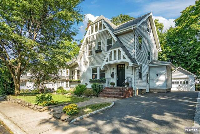 23 Christopher Place, Ridgewood, NJ 07450 (MLS #20040235) :: Team Francesco/Christie's International Real Estate