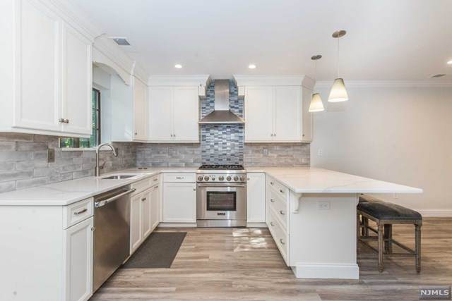 708 Thoreau Court, Mahwah, NJ 07430 (MLS #20040240) :: Team Francesco/Christie's International Real Estate