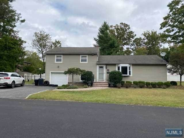 82 Ross Avenue, Demarest, NJ 07627 (#20040602) :: Bergen County Properties