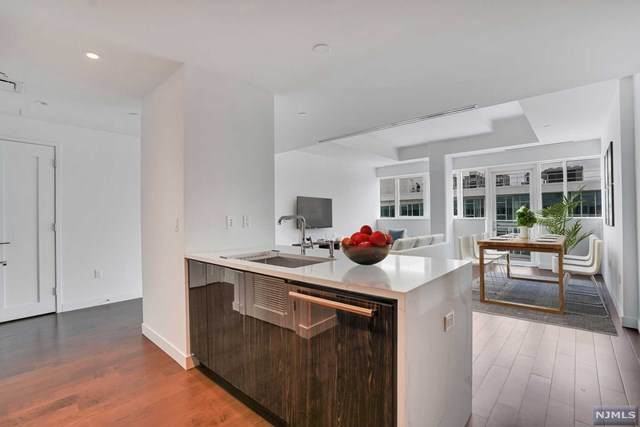 800 Ave At Port Imperial #1014, Weehawken, NJ 07086 (MLS #20040746) :: Team Francesco/Christie's International Real Estate