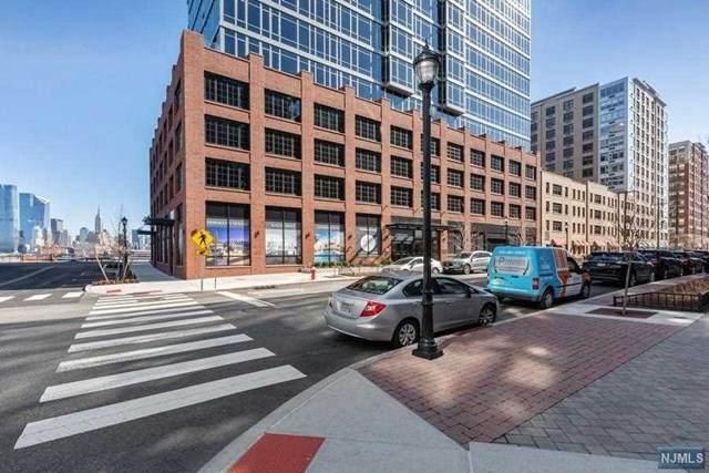 1425 Hudson Street - Photo 1