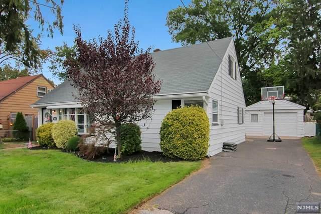 285 Howard Avenue, Rochelle Park, NJ 07662 (MLS #20041265) :: The Dekanski Home Selling Team