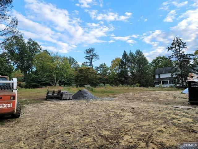 2 Squire Hill Road, North Caldwell, NJ 07006 (MLS #20041438) :: Kiliszek Real Estate Experts