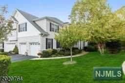 7 Cheryl Lane, Roseland, NJ 07068 (MLS #20042039) :: Kiliszek Real Estate Experts