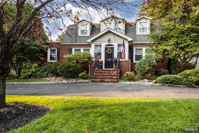 311 Lake Shore Drive, Haworth, NJ 07641 (MLS #20042132) :: The Dekanski Home Selling Team